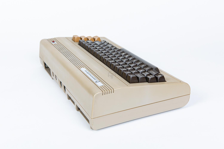 Commodore 64 breadbin