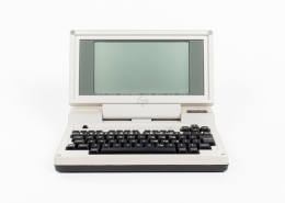 Tandy 200 - Computer Museum