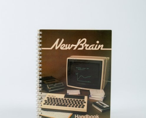 NewBrain handleiding - Computer museum